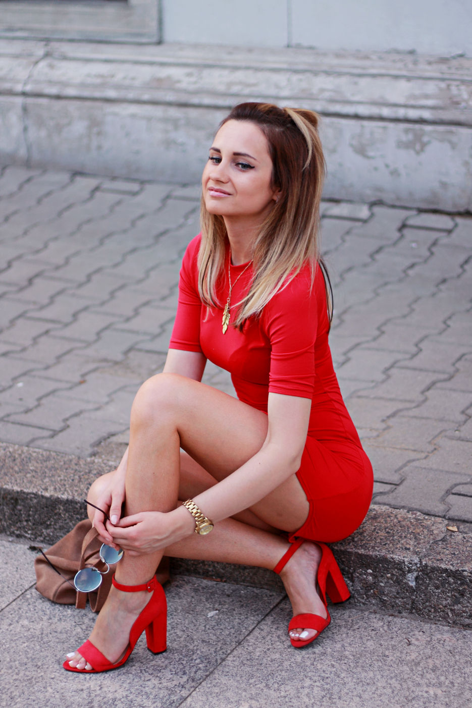 Best Summer Street Style Fashion Red Dress Blonde Pretty Girl Tumblr Ootd Outfit Lookbook Look
