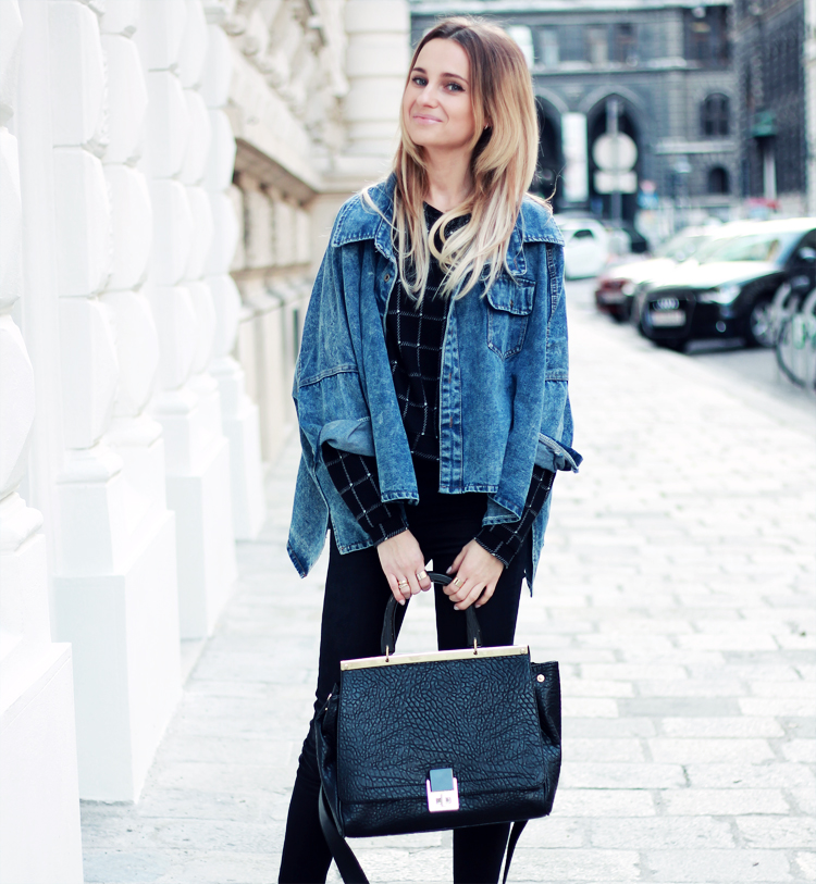 sheinside denim jacket stradivarius black pants blonde blogger lilis vienna street syle city fashion parfios black bag casual minimalistic style personal style blogger 3