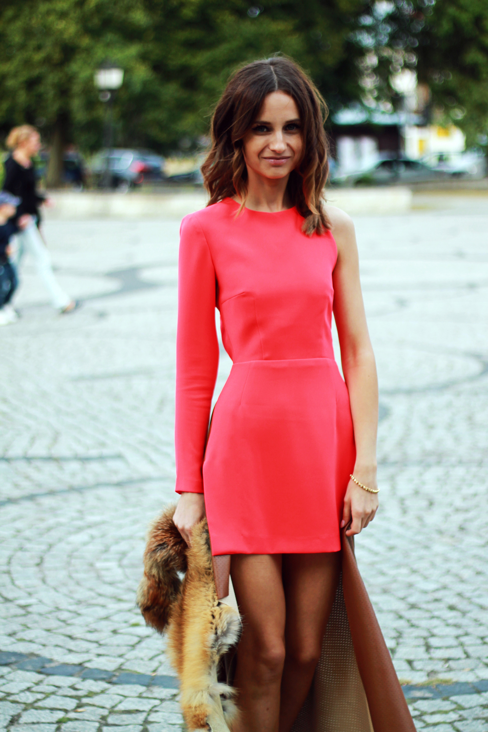 red dress original chic outfit clothes tumblr girl vogue lookbook ootd brunette