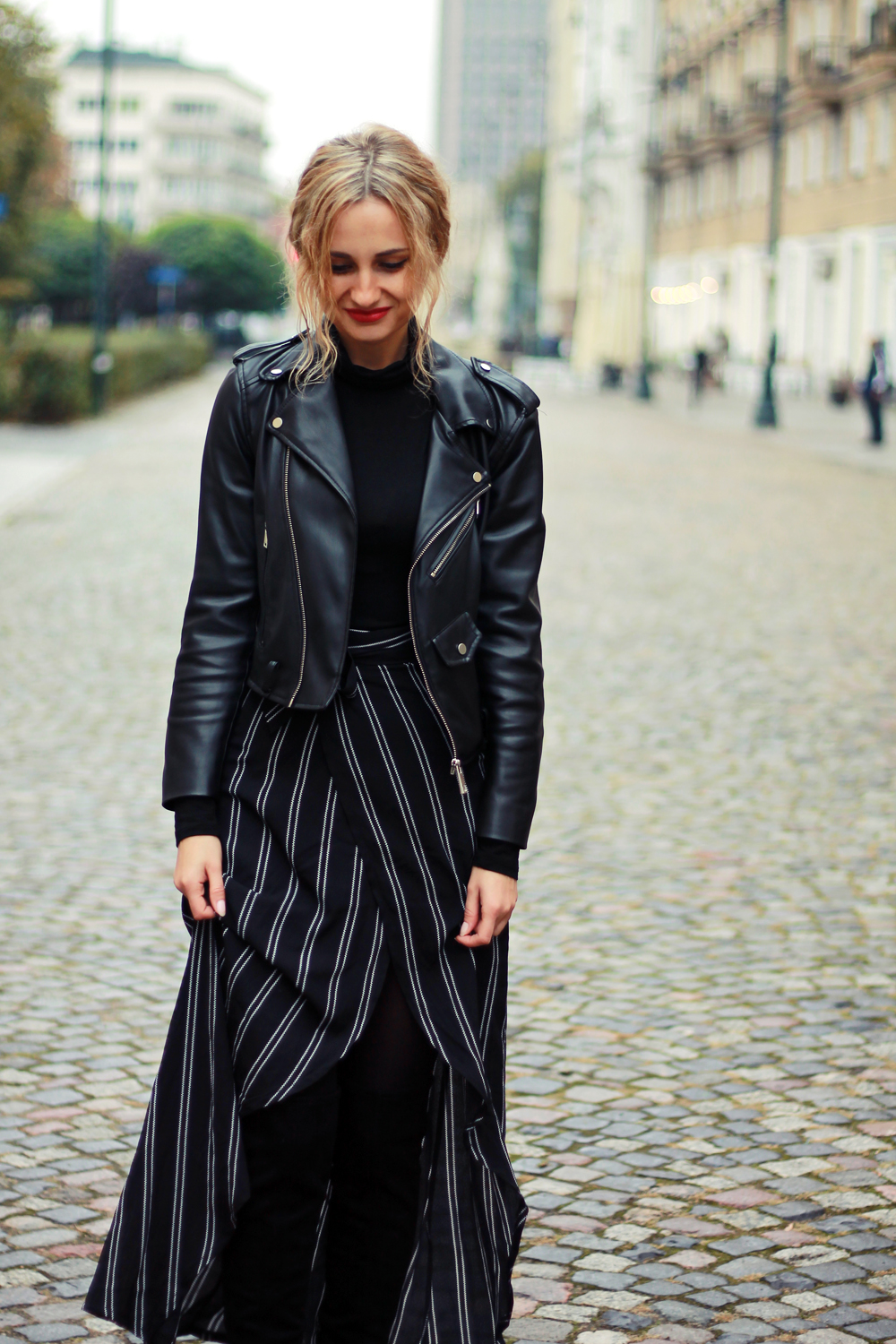 black-outfit-clothes-street-style-tumblr-girl-look-lookbook-fashion-ootd-what-to-wear-autumn-vogue-curly-hair
