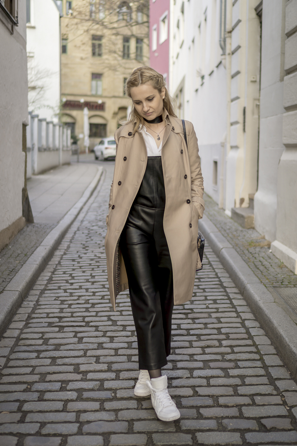 wearing beige trench coat from zara, mango leather dungrees. OOTD outfit look