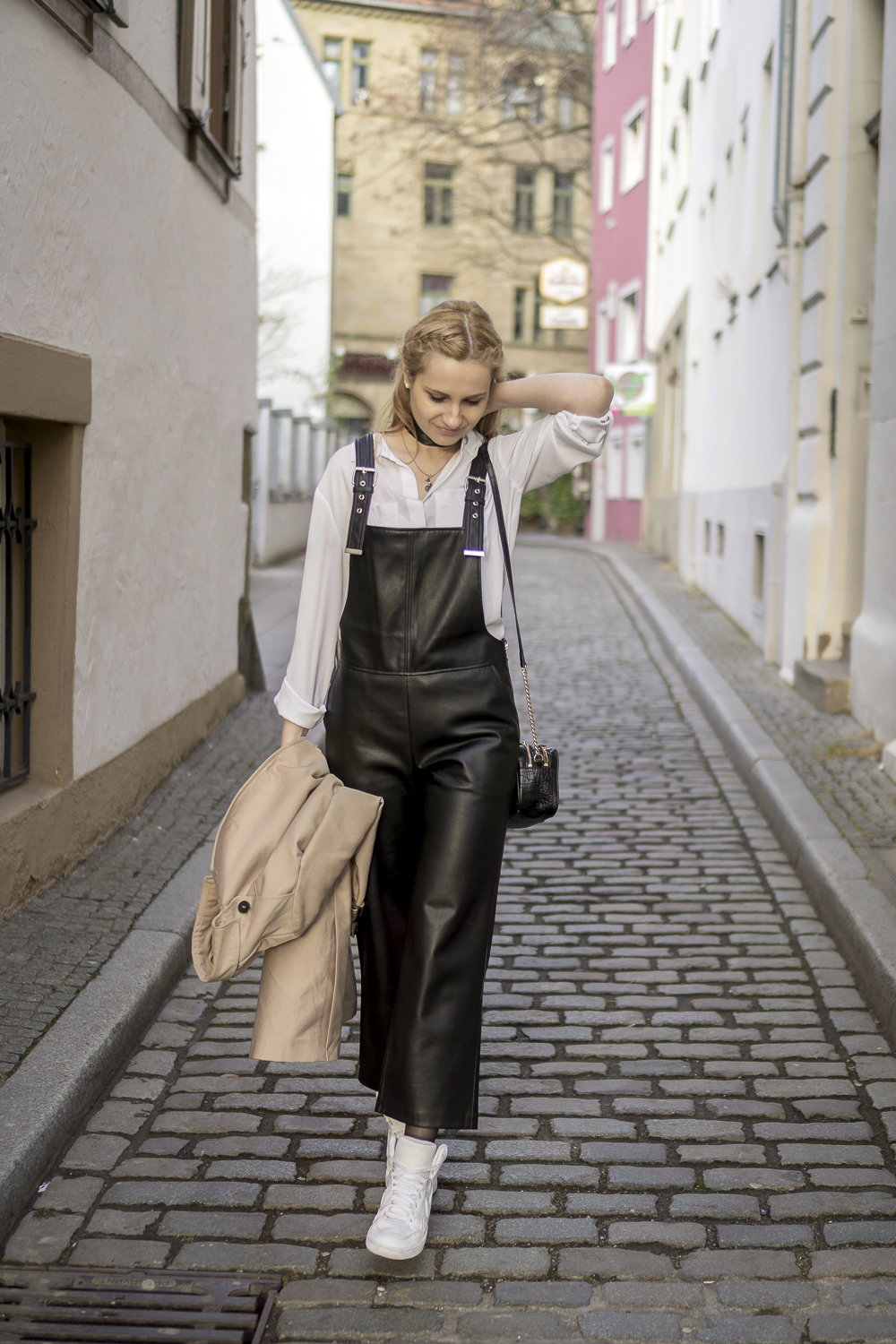Mango black leather dungarees pants, white classic shirt, street style fashion OOTD. What to wear.